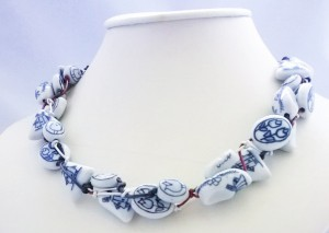 Delft blue necklace